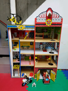 Police/Fire Station Playset.