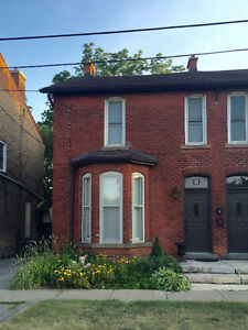 Newly Renovated House with Old Dundas Charm!