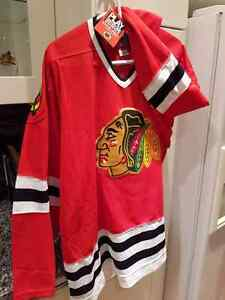 """Chicago Blackhawks "" Hockey Jersey  - *PICK UP ONLY *"