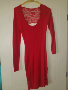 Robe rouge GUESS courte size M