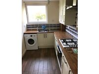 2 bed flat to rent. Jordanhill school catchment.
