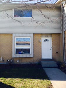 FANSHAWE: SINGLE BEDROOM LEASE MAY 1 ALL IN W/WIFI+CABLE $400