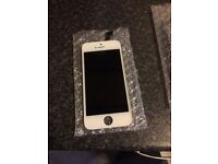 Iphone 5s screen in white as new original £30 fitted