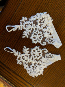 Lace appliques (bare-foot shoes or other uses)