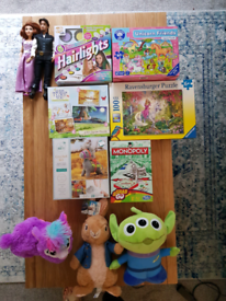 ASSORTMENT OF CHILDRENS TOYS JIGSAWS AND MORE!