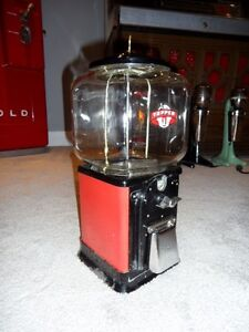 1950 Victor 1 cent Topper Gumball Machine London Ontario image 2