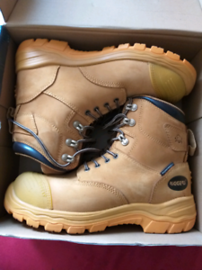 Riggers safety boots size 10 Cooloongup Rockingham Area Preview