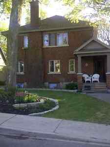 Beautiful Suite in Classic Renovated Home (Civic Hosp Area)