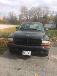 2003 Dodge Dakota Coupe (2 door)