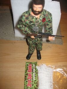 GI JOE TALK ENGLISH,whit unifor new, IN VERY NICE CONDITION