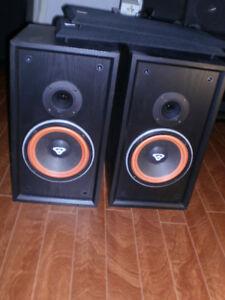 Cerwin Vega D1 Speaker Bookshelf 2 Way Speakers - Well Cared For