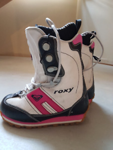 Roxy Track Lace Snowboard Boots Size 8 Women's