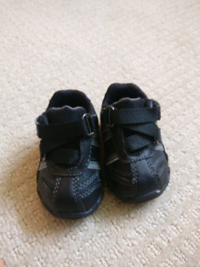 Wee walker shoes size 1