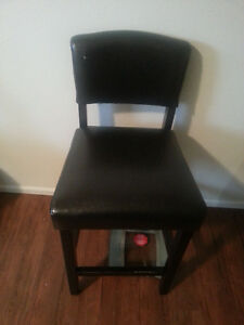 Great condition and comfortable Bar Chair