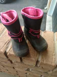 Girls winter boots - Size 10