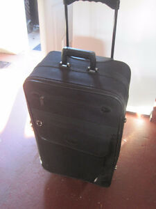 SUITCASES/LUGGAGE-STRATHROY London Ontario image 2