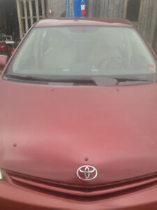 2005 Prius, Highly Maintained car, new tires, brakes...