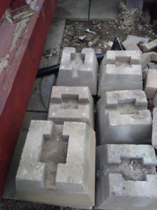 Deck block supports