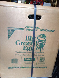 "Brand New ""Big Green Egg"" Smoker - Great Gift for Christmas"
