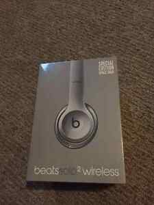 Beats Solo 2 Wireless Headphones (Unopened)