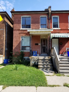 NEWLY RENOVATED 3 BR HOUSE FOR RENT, HAMILTON