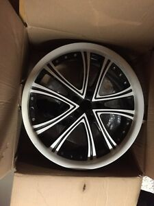 20x8.5 RTX Allure alloy and tire package