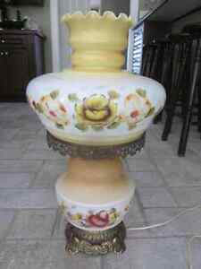 Vintage Hand Painted Gone With The Wind Hurricane Parlour Lamp Cambridge Kitchener Area image 10