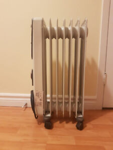 KENWOOD Oil Filled Electric Radiator Room Heater$50.00