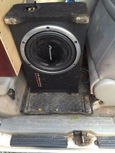 Pioneer 800w sub in shallow truck box with amp
