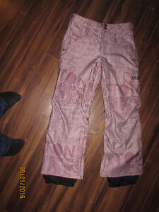 BURTON Women Ski Pants almost new