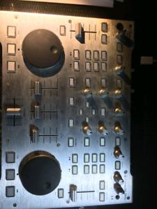 Table de mixage dj mix marque Hercule fonctionne super bien