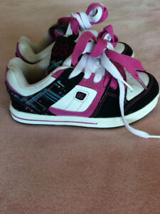 Size 12 girl skate shoes