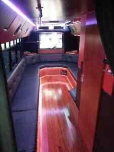Limousine And Party Bus services 2898882399 Cambridge Kitchener Area image 2