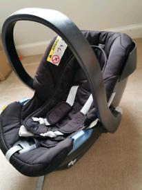 Mamas&Papas baby car seat group 0+