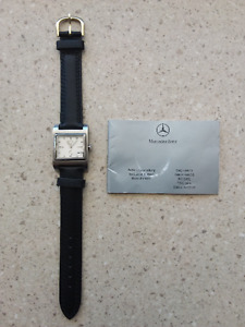 Belle montre Mercedes Benz Collection pour dame.
