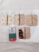 Brass plated hinges - 2 new and 18 used