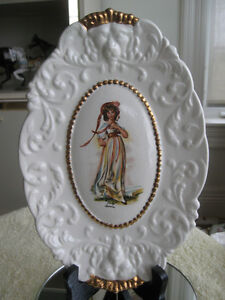 "ADORABLE DECORATIVE OLD VINTAGE HANGING OVAL ""PINKY"" PLATE"