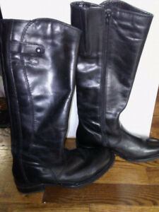 New Genuine Leather Size 8 Boots