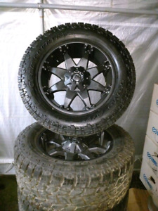 LT305/55R20 TOYO  OPCOUNTRY XTREAM A/T2 + RIMS 1,900$ new