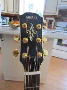 Guitare électro-acoustique Yamaha APX-7A et Ampli Peavy 75 Watts Saguenay Saguenay-Lac-Saint-Jean image 1