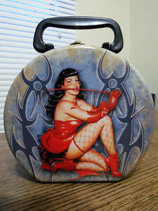 Bettie Page Rare Vandor Handbag Lunchbox Tin Round