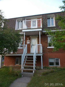 LONGUEUIL - Appartement 4 1/2