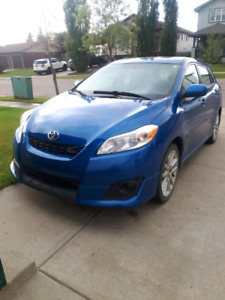 2009 Toyota Matrix XRS w/tow package