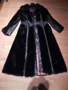 manteau fourrure et cuir