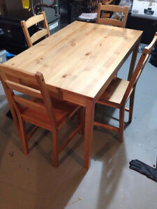 Dining buy sell items tickets or tech in edmonton for Dining room tables kijiji edmonton