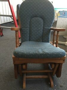 Rocking chair Cambridge Kitchener Area image 1