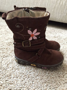 Baby girl boots - size 8