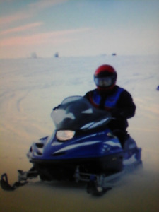 500 snowmobile selling