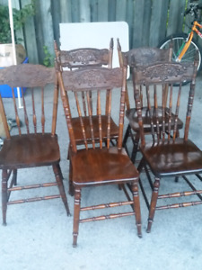 Antique tiger oak round table and chairs