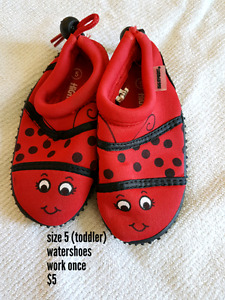 Size 5 toddler water shoes